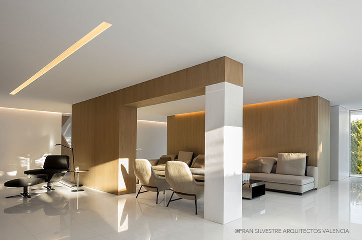 FRAN SILVESTRE ARQUITECTOS VALENCIA HOUSE BETWEEN THE PINEFOREST